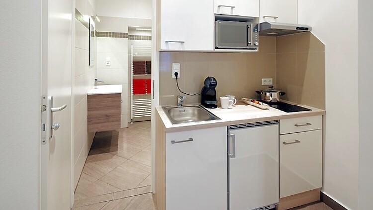 1 zimmer wohnung in wien 23 bezirk liesing m bliert auf zeit nr 10182. Black Bedroom Furniture Sets. Home Design Ideas